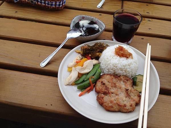 魚埕民宿早餐