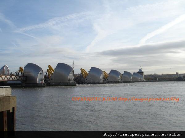 Thames Barrier Park-001.jpg