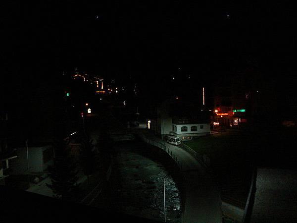 從策馬特住的飯店露台拍出去