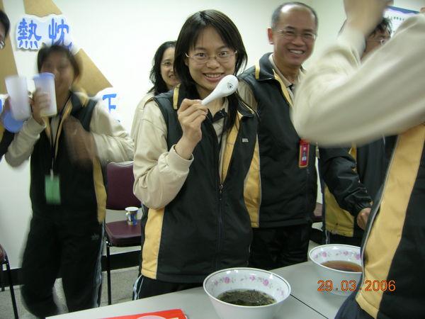 3月29日茶道課--品茶6.JPG