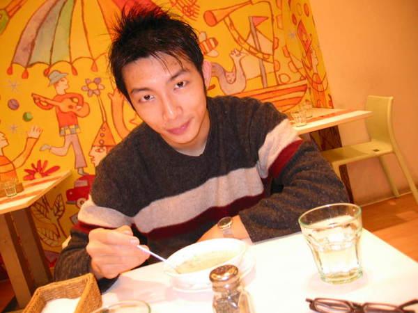 2006.03.23  胡桃木