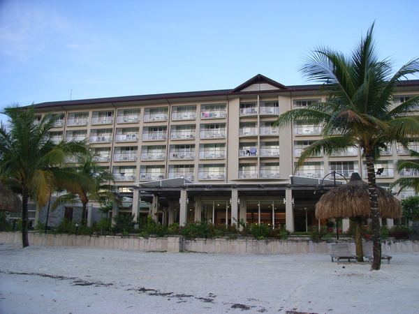 從沙灘上看飯店