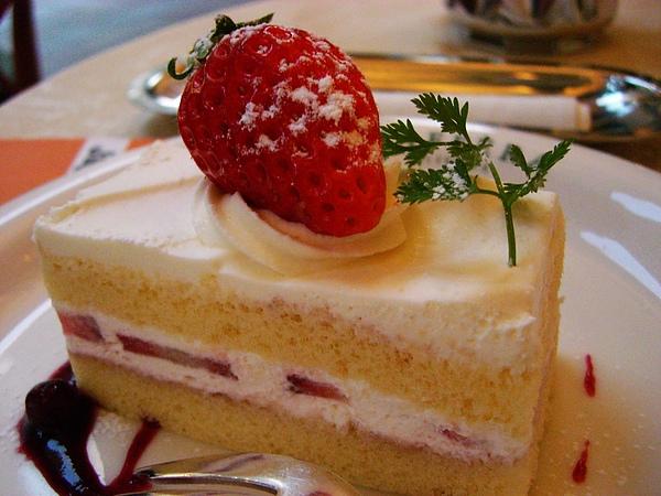 日本人總能把甜點做得很美味兼美麗.jpg