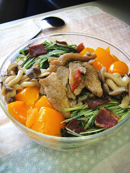 泰式洋蔥肉絲