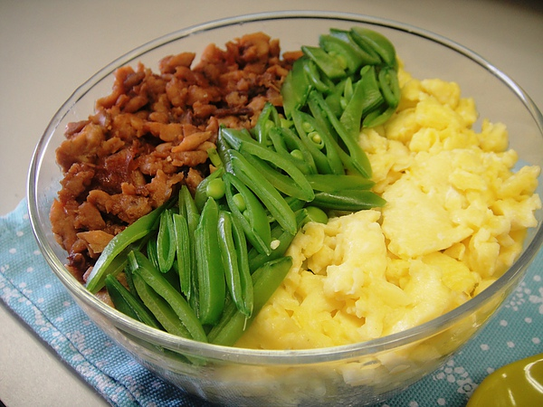 鯖魚三色丼