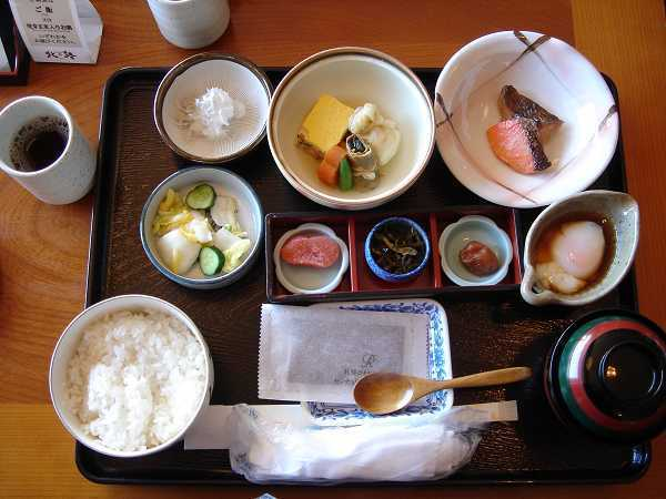 Century Royal Hotel朝食