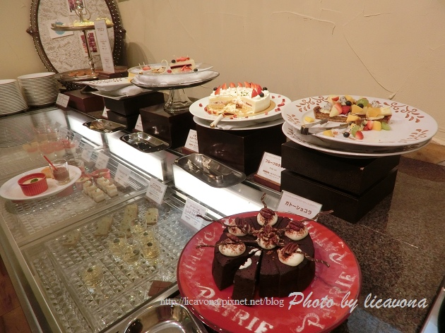 Piena朝食-水果派和蛋糕