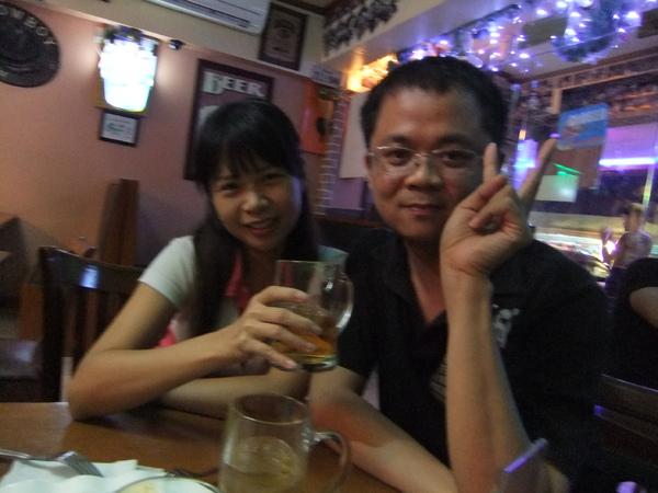 Cebu VIPS 喝啤酒之誰先喝醉