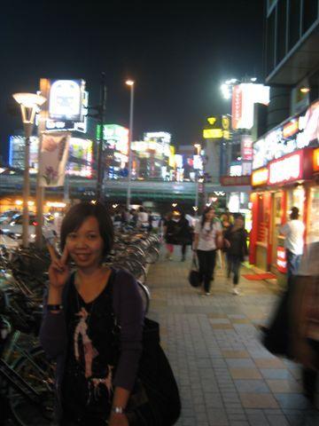 011.新宿街景.JPG