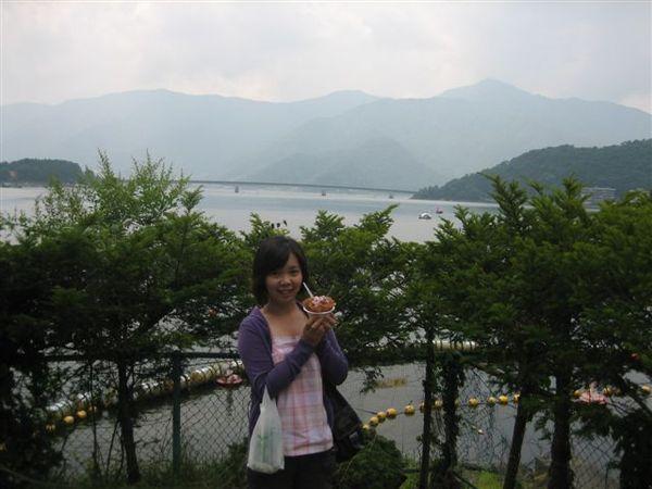 088.湖景相當美麗.JPG