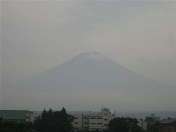 114.大雨過後~我們的富士山就長出來了!.JPG
