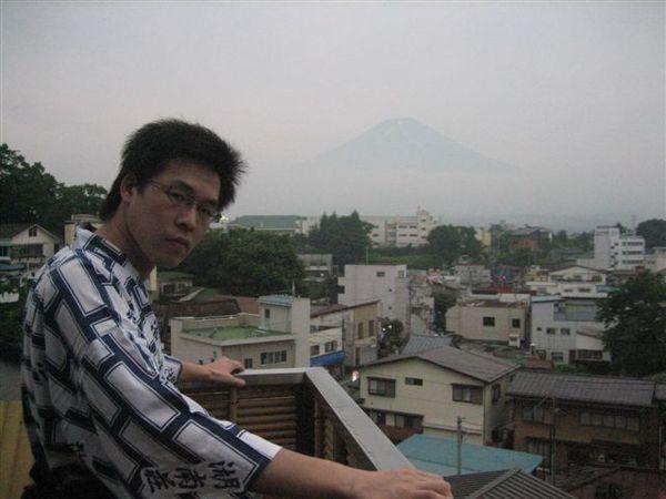 126.後面就是富士山唷.JPG