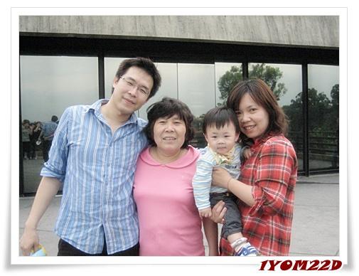 我們與媽.jpg