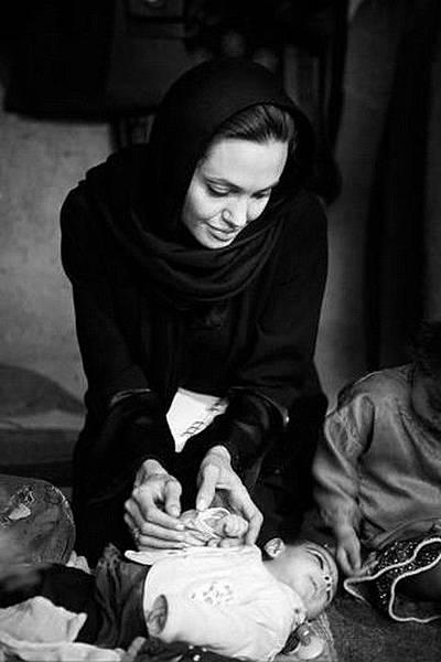 angelina_jolie_afghanistan_20