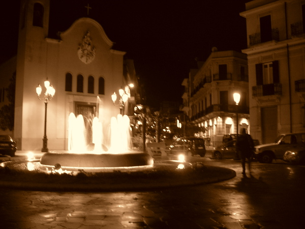beautiful evening scenes in Reggio 美麗的夜晚街景