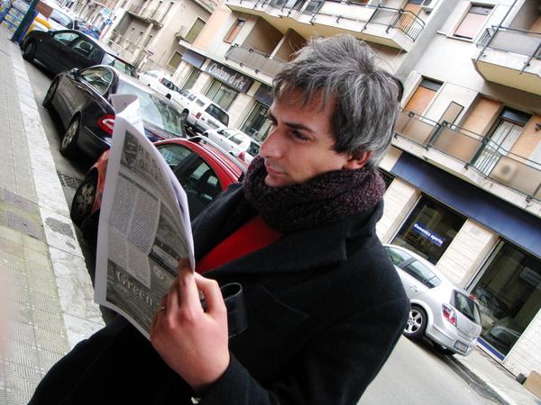 Ivano reads always 總是在閱讀的老伊