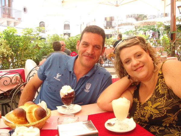 Lipari禮帕利島~Giusy and her husband Bartolo 茱茜和她老公巴特羅