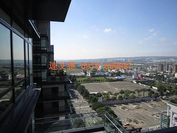 寶輝建設-寶輝世紀花園-世紀花園中樓層無限視野42