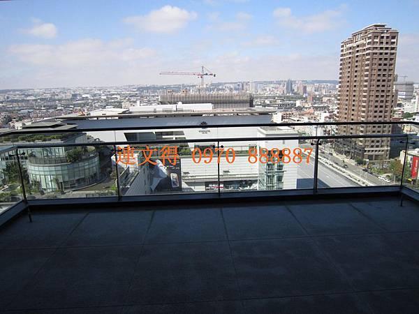 寶輝建設-寶輝世紀花園-世紀花園中樓層無限視野50