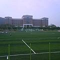 學校裡的足球場