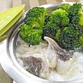 鮮奶蛋白燴魚片 (1)-壓標