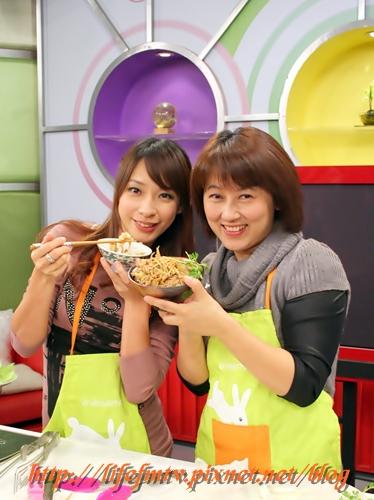 今天來做壽喜燒三吃!