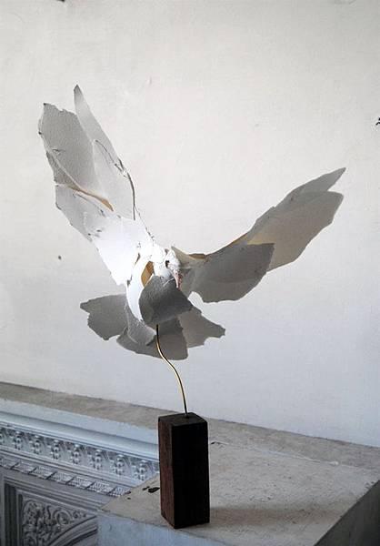 paper-sculptures-by-Anna-Wili-Highfield-8.jpg