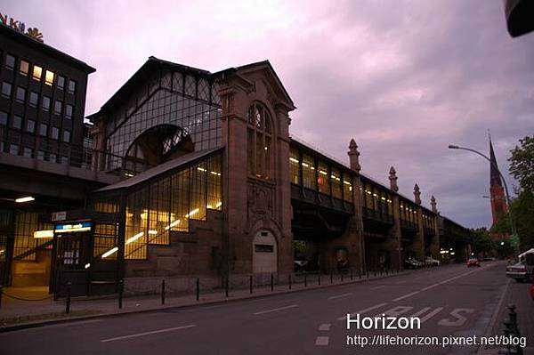 飯店附近的地鐵站