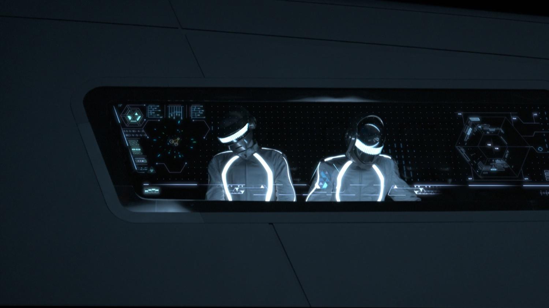 Daft-Punk-in-TRON-LEGACY.jpg