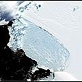 南極威爾金斯冰架突然崩裂
