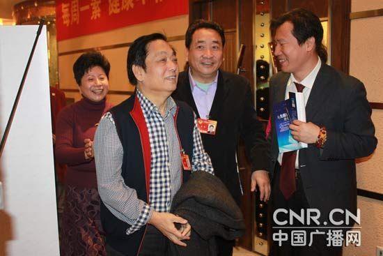 姜昆、韓美林等委員倡導素食和低碳生活