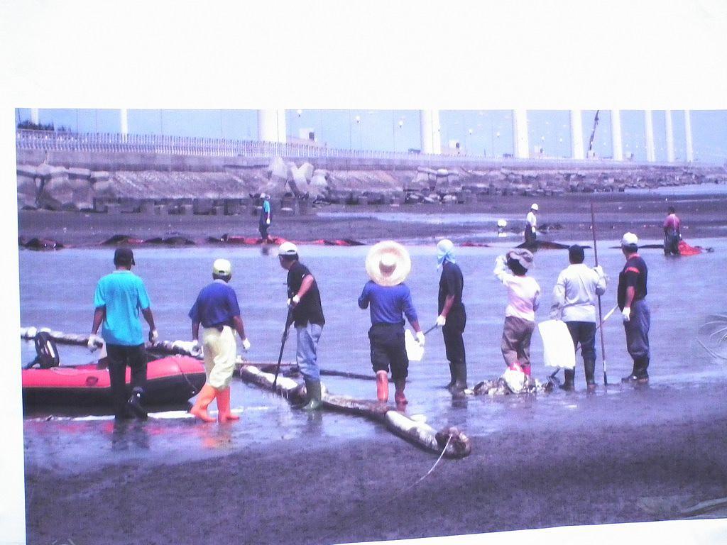 20100701-高美溼地污染-DSCF0295.JPG