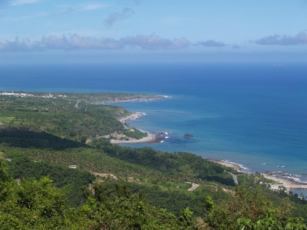私房角落望著絕美的都蘭灣與太平洋.JPG