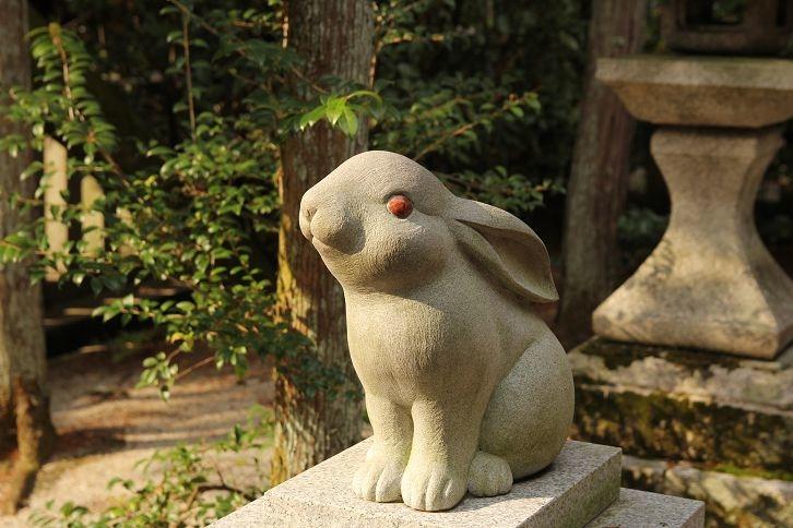 岡崎神社的兔子守護神