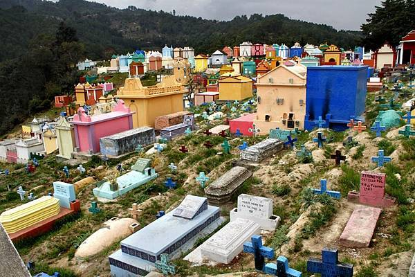 09 Cementerio de chichicastenango (1024x682)