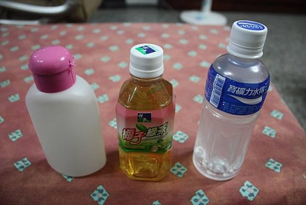 100年10月15日慈悲施食米裝小瓶子 020_調整大小