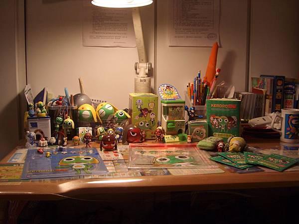我弟的書桌