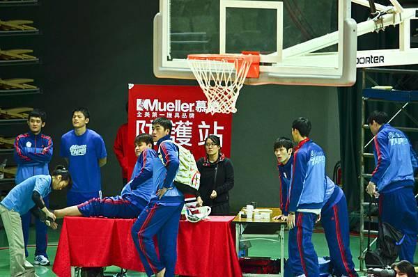場邊準備的中華隊