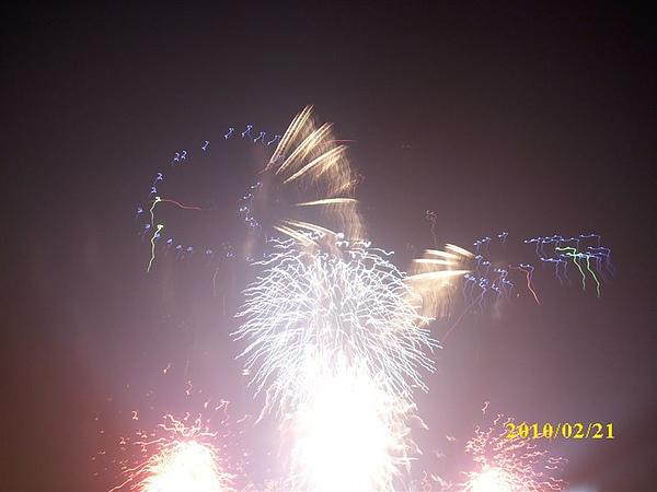 99年2月21日光榮碼頭煙火秀春節照片 015.jpg