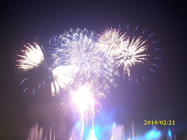99年2月21日光榮碼頭煙火秀春節照片 017.jpg