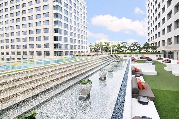 台南晶英酒店 4樓戶外游泳池.jpg