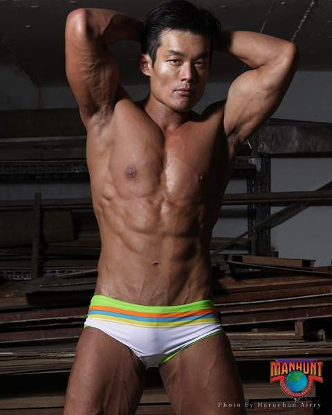 Manhunt International 2012 (1)