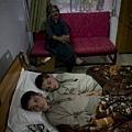 巴基斯坦一對小兄弟被稱之為「太陽之子」,兩人罹患怪病,白天能正常活動,但一到太陽下山以後,他們就進入「植物人」狀態,不能說話也動彈不得,奇怪的病狀就連醫生都查不出真正原因。