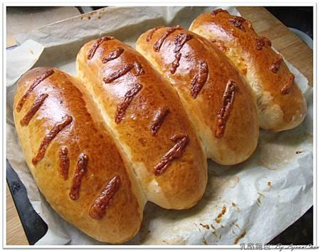 3.乳酪麵包 (15).JPG
