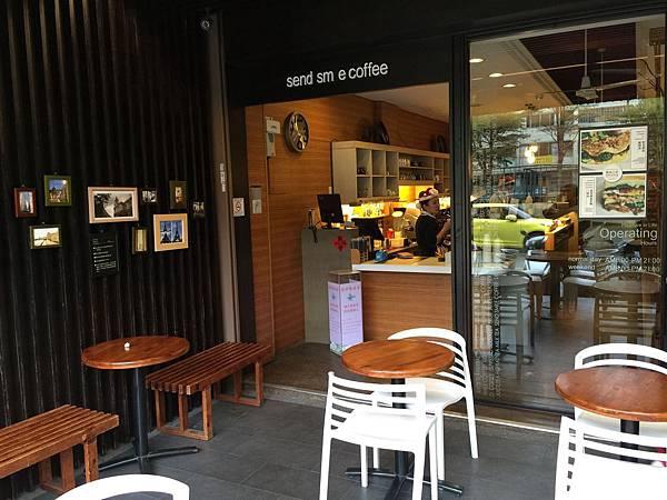 憲賣咖啡環境 (3).jpg