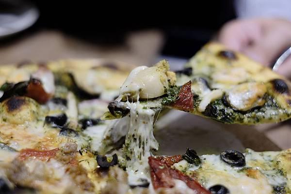 海陸雙醬披薩 (5).jpg