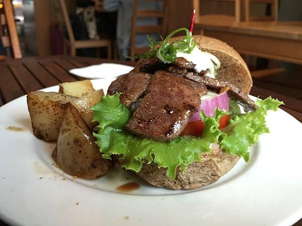 牛小排漢堡3.jpg