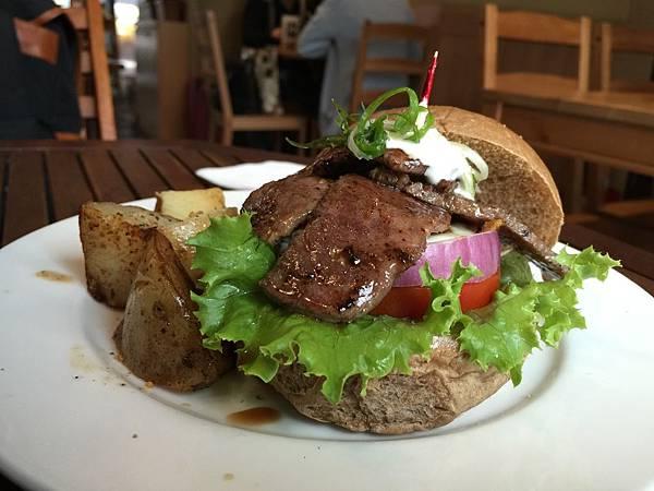 牛小排漢堡4.jpg