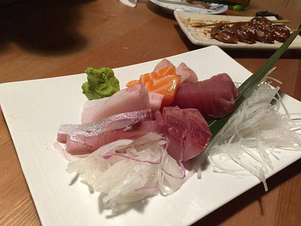 綜合生魚片 (2).jpg