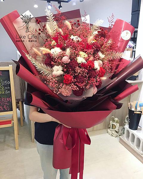 巨大花束,深紅色巨大乾燥花束台北巨型乾燥花束,少女最愛款乾燥花束
